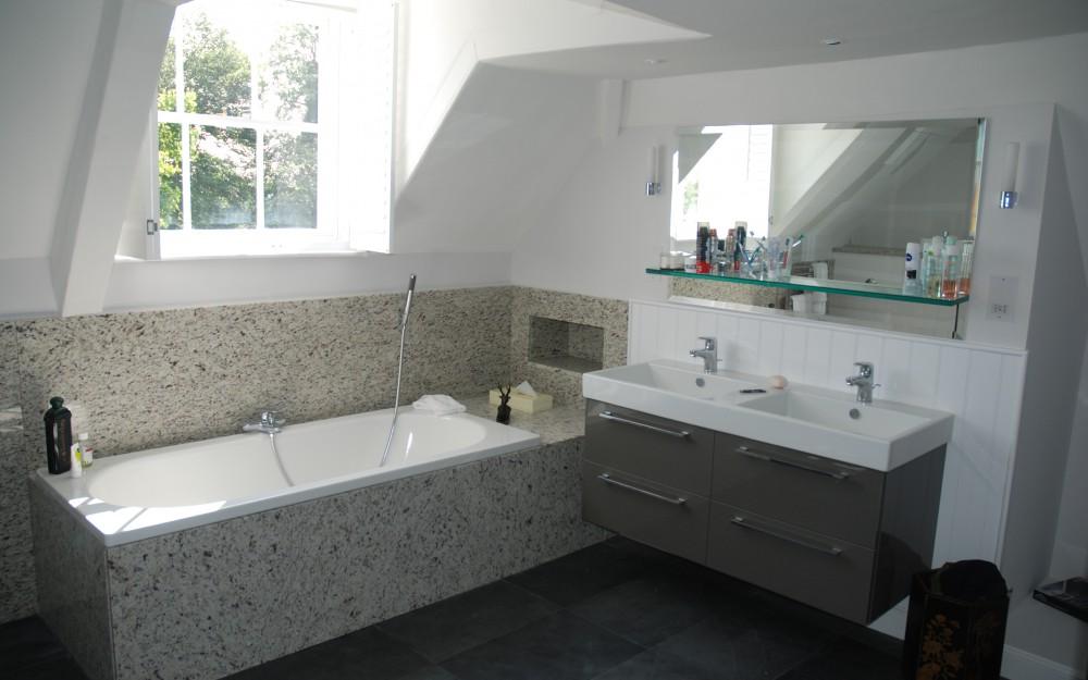 Bathroom of Queen Anne House. This home has been modernised, without losing the character of the building, by Inspiration Architects, residential architects in Reading.